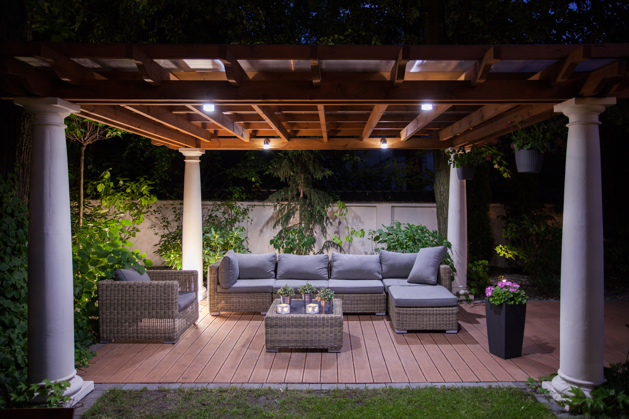 7 affordable outdoor lighting ideas to transform your backyard